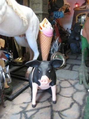 Pig Large Sitting Pink & Black (JR 020505PB)