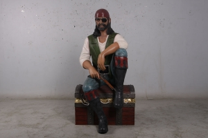 Pirate sitting on chest (JR 180182)