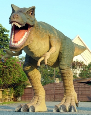 T Rex 3.90 metres 13ft tall (JR IB)
