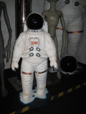 Astronaut 3ft (JR 1828)