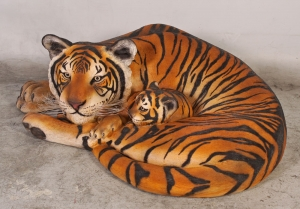 Bengal Tigress lying with Cub (JR 120011)