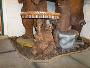 Bear Table- Medium (JR 5001)