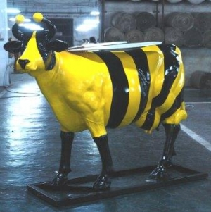 Bumble Bee Cow life-size (JR 7017)