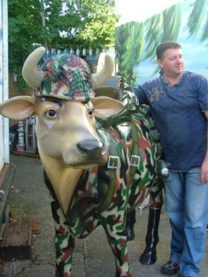 Cam-Moo-Flage Cow life-size (JR 1634-CMF)