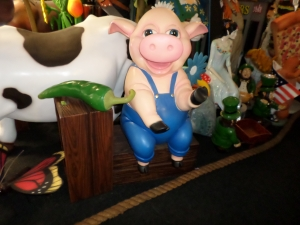 Funny Pig on Bench (JR C-047)