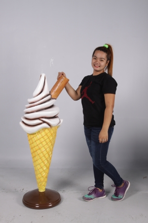 STANDING WAFFLE CONE WITH FLAKE 4FT - CHOCOLATE SAUCE JR 0045C