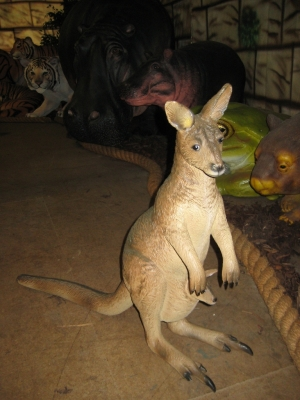 Kangaroo 2ft (JR 2402)