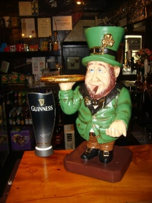 Leprechaun Smoking (JR ST5160)
