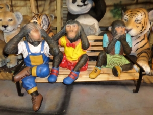 Monkeys with Bench (JR 2064)