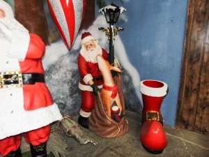 Santa Claus with Reindeer and Lamp Post (JR 2394)