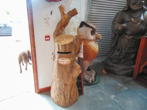 Mail Box - Santa's tree stump (JR 160151)