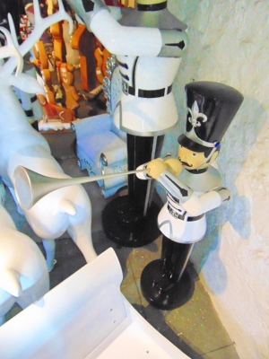 Toy Soldier with Trumpet 6ft (JR 140007WSB)