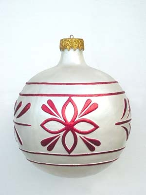 Christmas Decor Ball White w/Red 1.5ft (JR 1193-E)