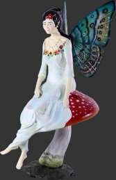 Fairy Sitting on Mushroom (JR 140064) - Thumbnail 01
