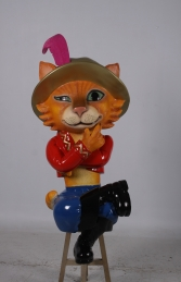 Pedro the Cat Sitting JR 170151 - Thumbnail 02