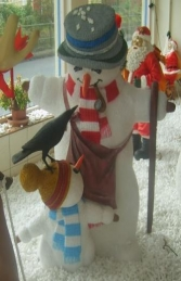 Snowman with Child and Bird 5ft (JR 1854) - Thumbnail 01