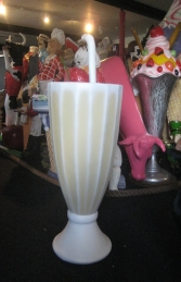 Milkshake in a Glass - Banana 3.5ft (JR 2480) - Thumbnail 02