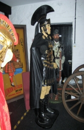 Roman Centurion 6ft in black (JR 1714A) - Thumbnail 03