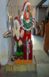Crazy Elves with gifts Photo Op (JR S-168) - Thumbnail 01