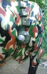 Cam-Moo-Flage Cow life-size (JR 1634-CMF) - Thumbnail 02