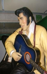 Elvis style Singer seated with Guitar Life-size (JR 1512)