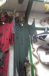 Evil Witch Hanging Head - 7ft (JR 7530-7) - Thumbnail 03