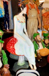 Fairy Sitting on Mushroom (JR 140064) - Thumbnail 03