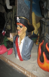 Funny Pirate Bust  (JR 2433-B)