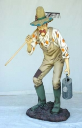 Old Man Gardener with Rake Life-size (JR 1508) - Thumbnail 03