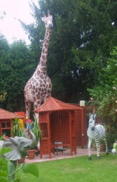 Giraffe Life-size 19ft tall (JR 2250) - Thumbnail 01