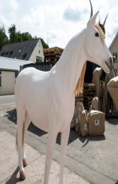 Horse Life-size in White (JR 1694) - Thumbnail 03