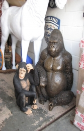 Gorilla sitting in Bronze (JR 090009b) - Thumbnail 03
