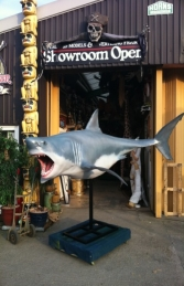 Shark Great White 12ft w/stand (JR 100072)