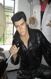 Elvis Style Singer Kneeling with Microphone 6ft (JR 2767)	 - Thumbnail 02