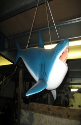 Shark Hanging (JR ST6525)