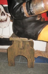 Pirate Stool (JR 110058) - Thumbnail 02