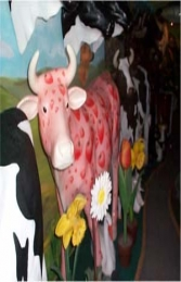 Strawberry Milk-shake Cow life-size (JR 7008) - Thumbnail 03