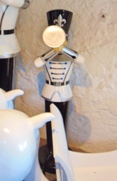 Toy Soldier with Trumpet 6ft (JR 140007WSB) - Thumbnail 03