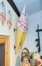 Hanging Ice Cream Small - Strawberry 3ft (JR 170052s) - Thumbnail 01