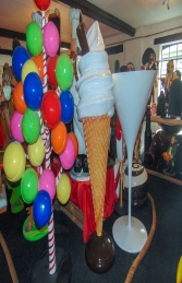 Standing 6ft Whippy Ice Cream (JR 180053P)