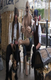 Seated Pirate Moreno 5.5ft (JR R-068)	 - Thumbnail 02