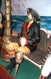 Seated Captain Hook Pirate life-size (JR 2447-A)