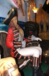 Seated Lady Pirate life-size (JR 2447-C) - Thumbnail 01