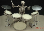 SKELETON ROCK AND ROLL DRUMMER