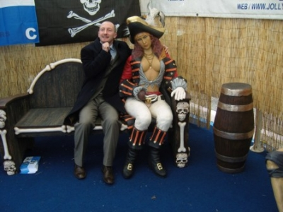 IAN HOLLOWAY WITH LADY PIRATE